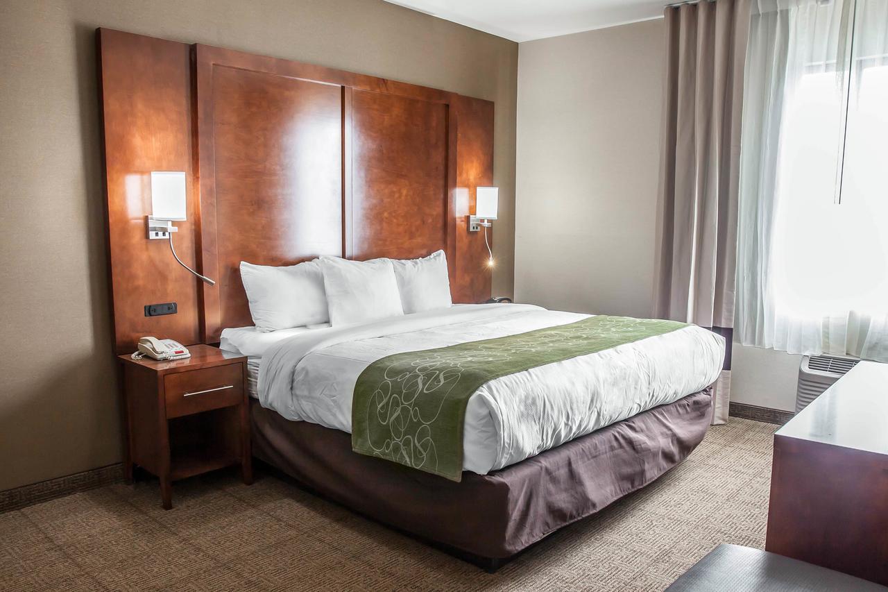 https://www.hotelsbyday.com/_data/default-hotel_image/1/8626/72590291.jpg