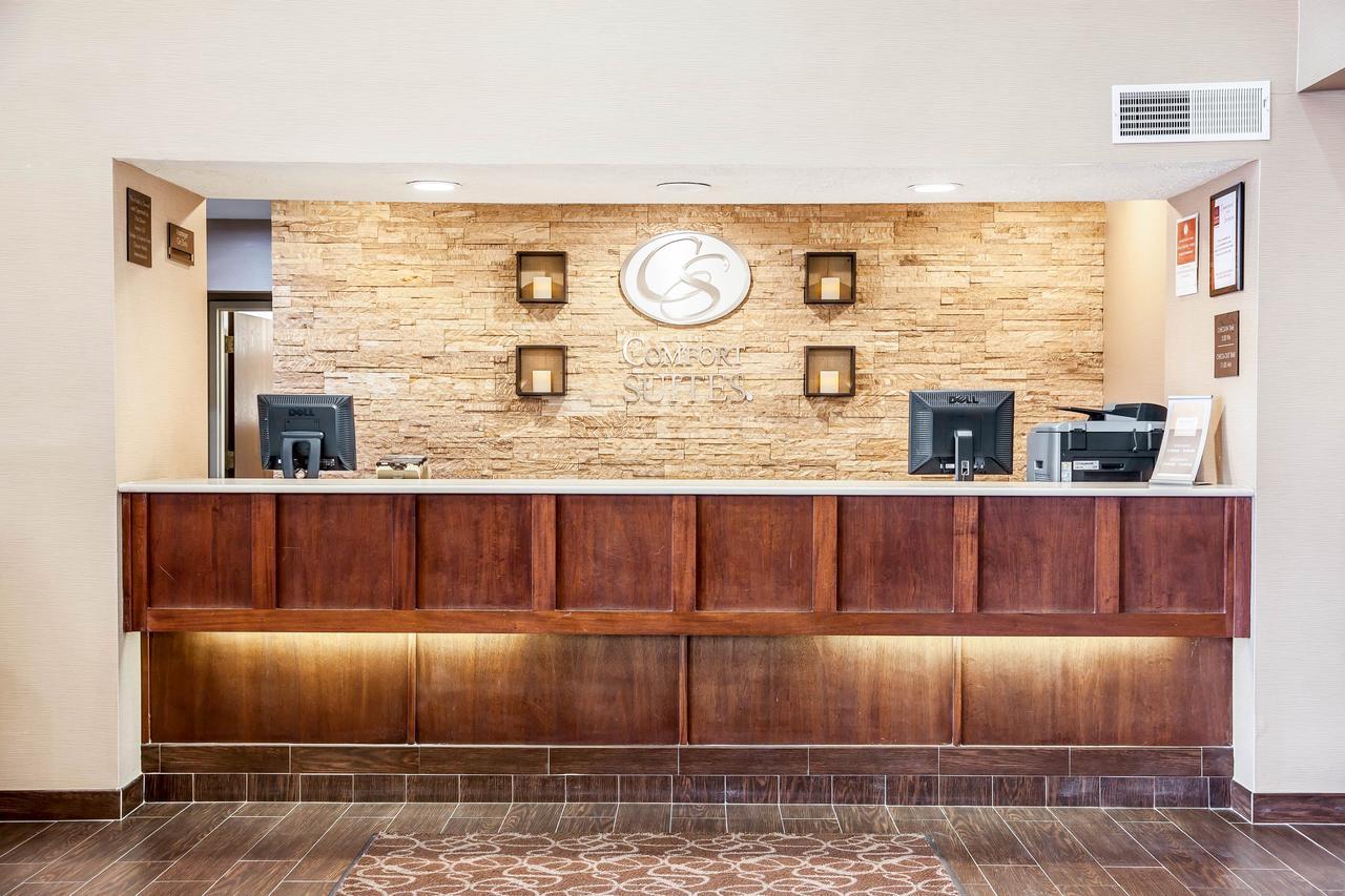 https://www.hotelsbyday.com/_data/default-hotel_image/1/8628/67948740.jpg