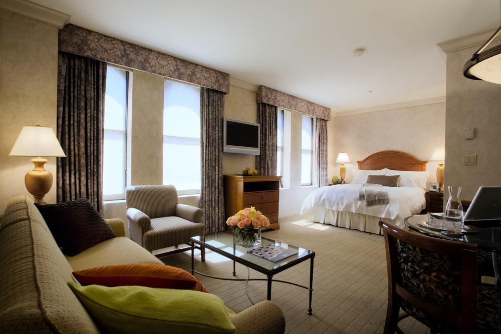 https://www.hotelsbyday.com/_data/default-hotel_image/1/8789/r7.jpg