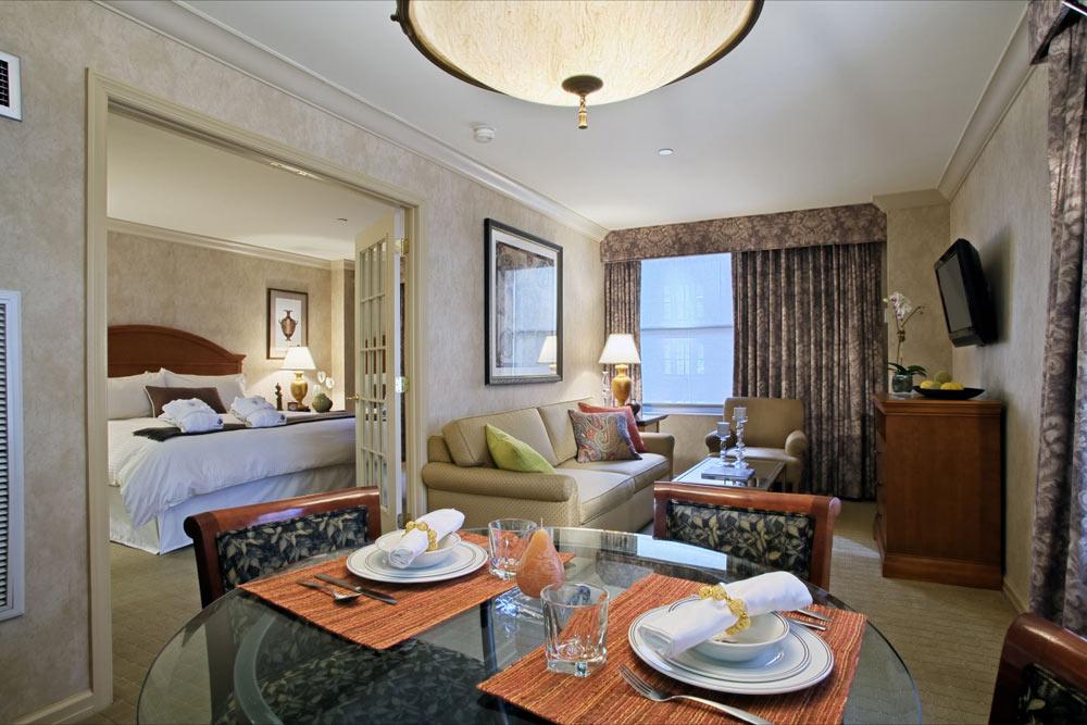 https://www.hotelsbyday.com/_data/default-hotel_image/1/8790/r10.jpg