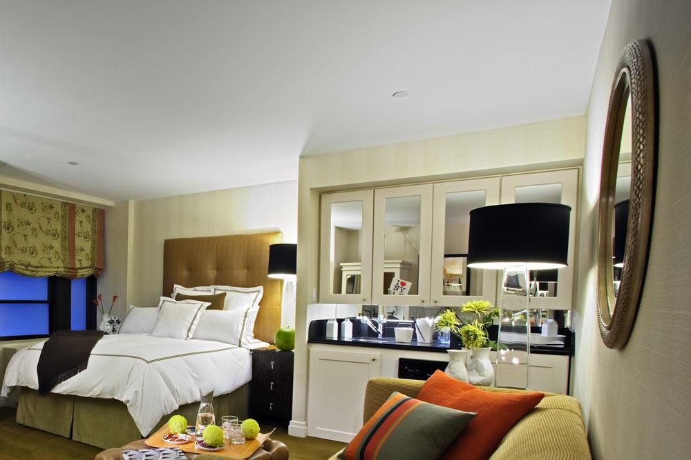 https://www.hotelsbyday.com/_data/default-hotel_image/1/8791/r9.jpg