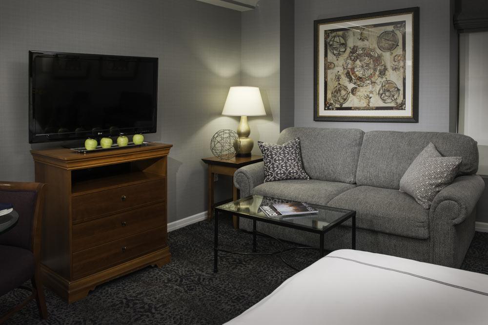 https://www.hotelsbyday.com/_data/default-hotel_image/1/8792/r3.jpg