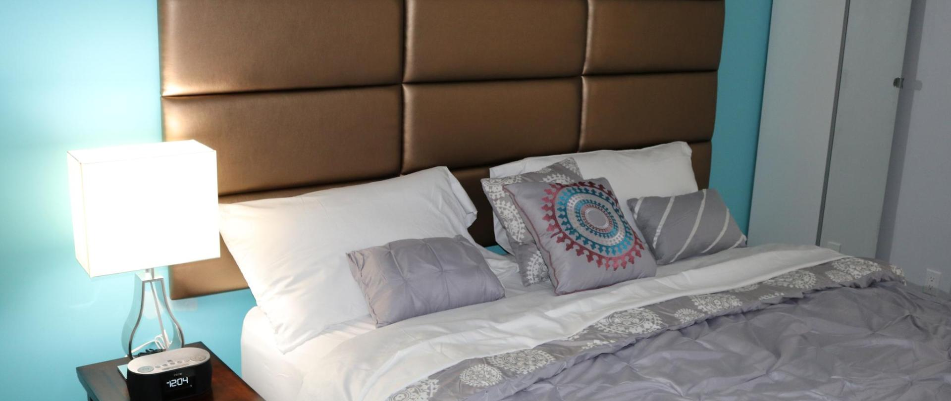 https://www.hotelsbyday.com/_data/default-hotel_image/1/8830/38542364.jpg