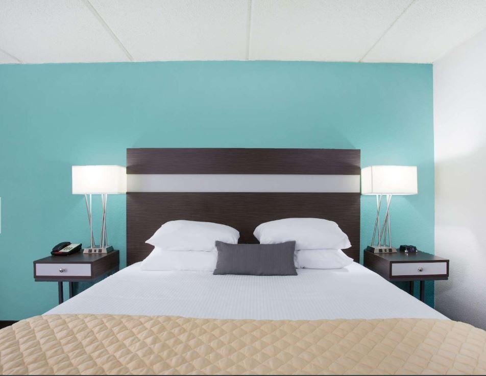 https://www.hotelsbyday.com/_data/default-hotel_image/1/8964/2.jpg