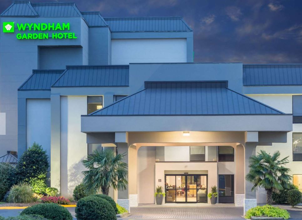 https://www.hotelsbyday.com/_data/default-hotel_image/1/8972/11.jpg