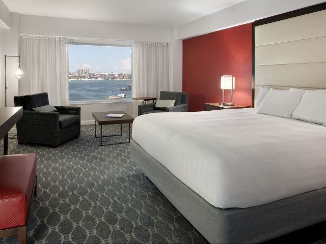 https://www.hotelsbyday.com/_data/default-hotel_image/1/8992/hyatt-regency-boston-harbor-p129-new-king-adapt-4x3-640-480.jpg