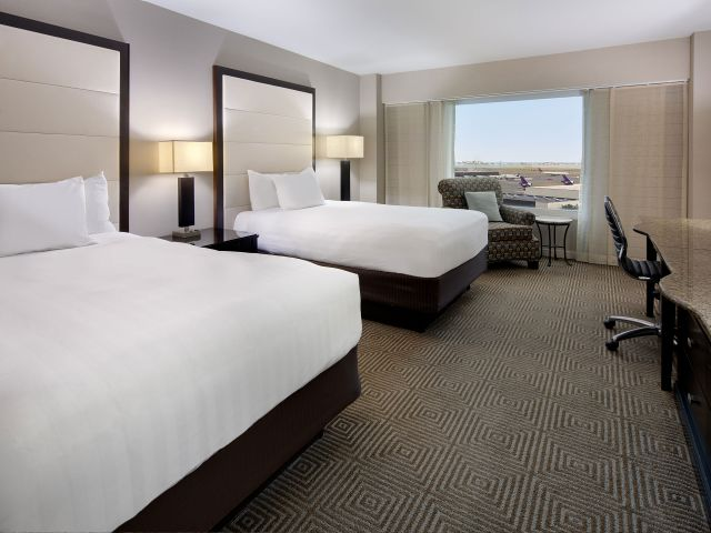 https://www.hotelsbyday.com/_data/default-hotel_image/1/8994/hyatt-regency-boston-harbor-p133-airport-double-adapt-4x3-640-480.jpg