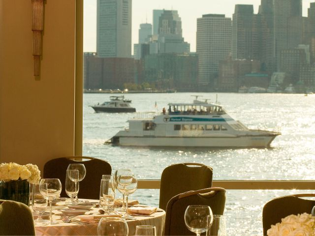 https://www.hotelsbyday.com/_data/default-hotel_image/1/8997/hyatt-regency-boston-harbor-p077-skyline-with-boat-adapt-4x3-640-480.jpg