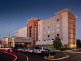 Hotel Hampton Inn & Suites St. Louis At Forest Park image