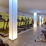 https://www.hotelsbyday.com/_data/default-hotel_image/1/9171/fitness-center.jpg