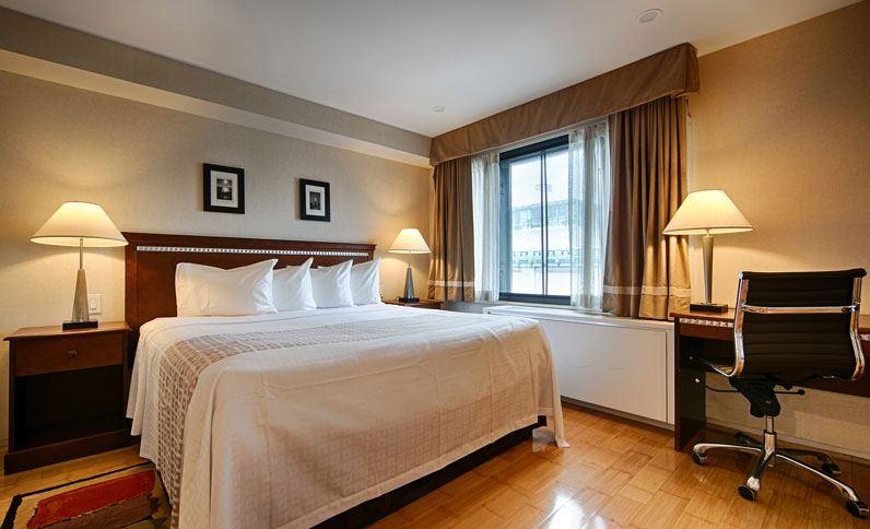 https://www.hotelsbyday.com/_data/default-hotel_image/1/9491/single-king-room-at-best-western-bowery-hanbee-hotel-new-york-city.jpg