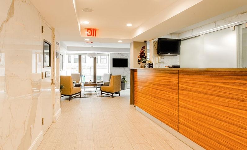 https://www.hotelsbyday.com/_data/default-hotel_image/1/9495/best-western-bowery-hanbee-front-desk-new-york-city2.jpg