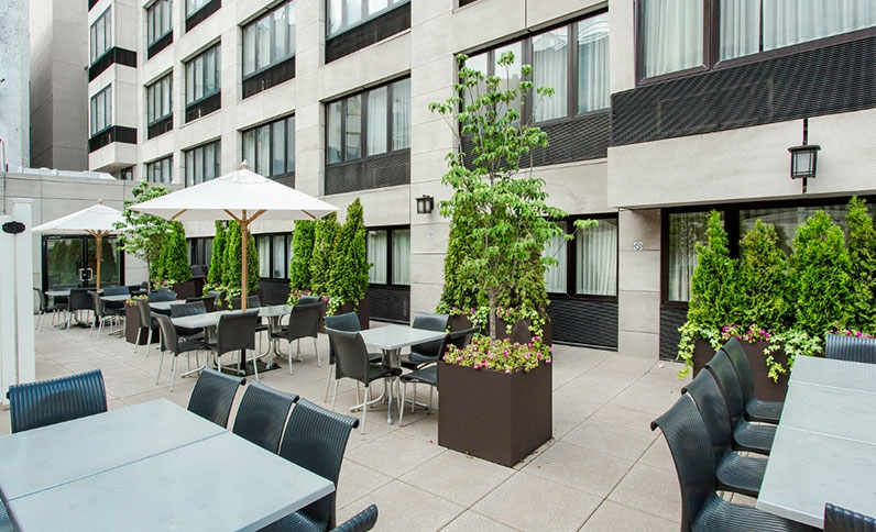 https://www.hotelsbyday.com/_data/default-hotel_image/1/9499/dining-area-at-best-western-bowery-hanbee-hotel-new-york-city2.jpg