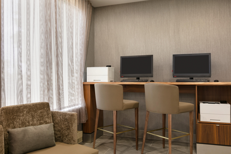 https://www.hotelsbyday.com/_data/default-hotel_image/1/9668/yuldn-business-center.jpg