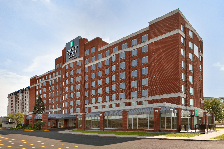 https://www.hotelsbyday.com/_data/default-hotel_image/1/9670/yuldn-exterior-04.jpg
