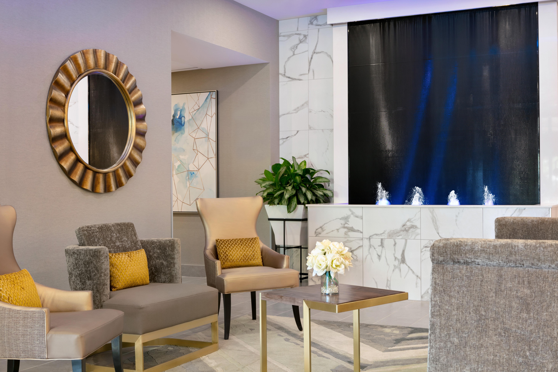 https://www.hotelsbyday.com/_data/default-hotel_image/1/9672/yuldn-lobby-front-desk-03.jpg