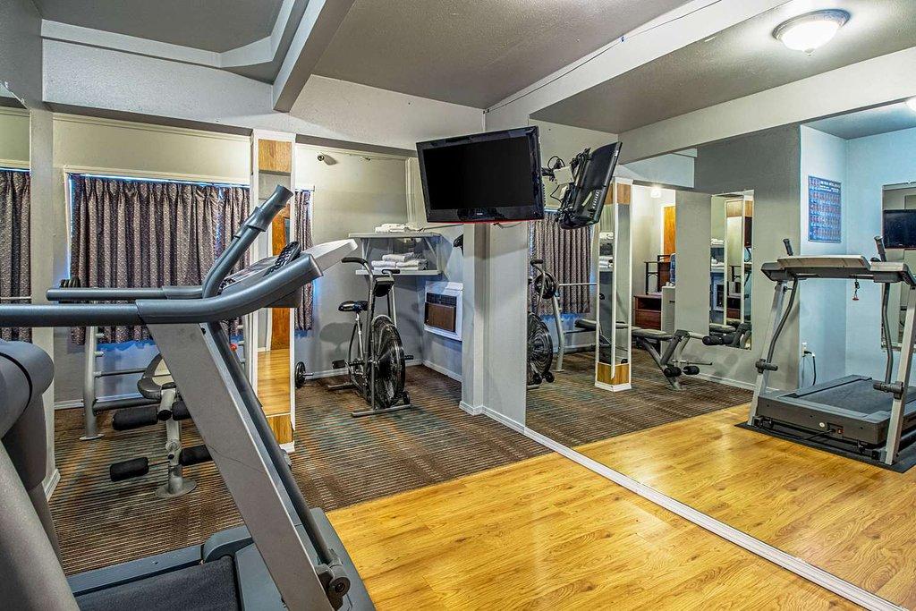 https://www.hotelsbyday.com/_data/default-hotel_image/1/9750/fitness-center.jpg