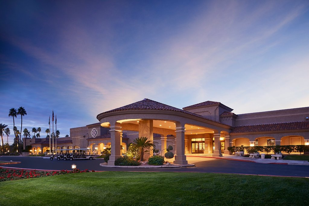 https://www.hotelsbyday.com/_data/default-hotel_image/1/9762/scottsdale-plaza-resort.jpg