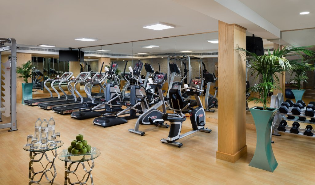 https://www.hotelsbyday.com/_data/default-hotel_image/1/9817/fitness-center.jpg