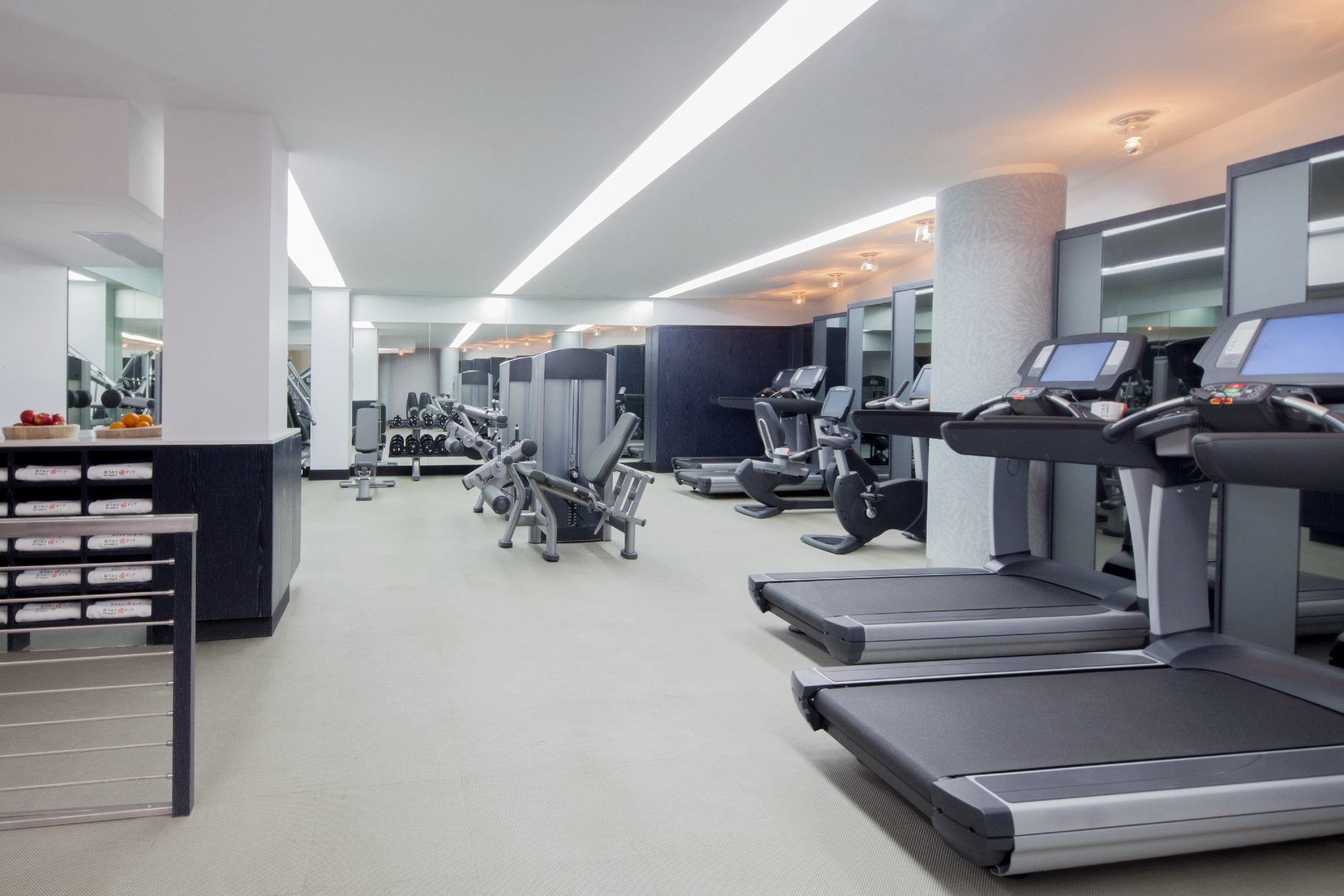 https://www.hotelsbyday.com/_data/default-hotel_image/1/9936/fitness-studio.jpg