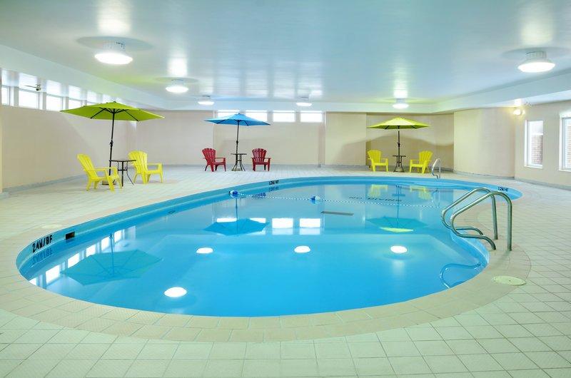 https://www.hotelsbyday.com/_data/default-hotel_image/1/9980/pool.jpg