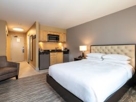 Hotel Hilton Whistler Resort & Spa image