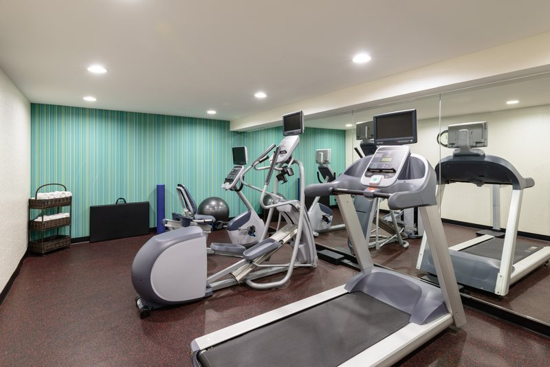 https://www.hotelsbyday.com/_data/default-hotel_image/2/10059/health-club.jpg