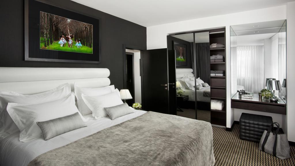 https://www.hotelsbyday.com/_data/default-hotel_image/2/10087/alexander-hotel-10.jpg