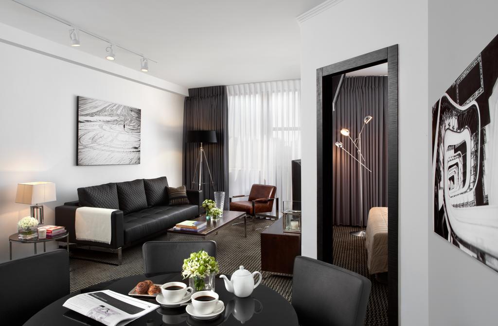 https://www.hotelsbyday.com/_data/default-hotel_image/2/10089/alexander-hotel-3.jpg