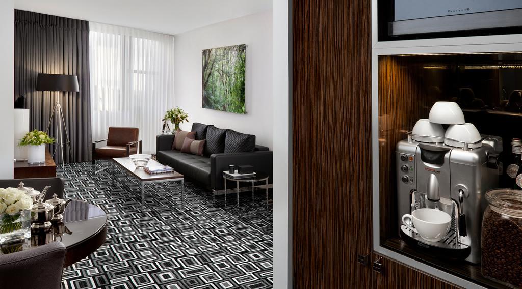 https://www.hotelsbyday.com/_data/default-hotel_image/2/10090/alexander-hotel-6.jpg