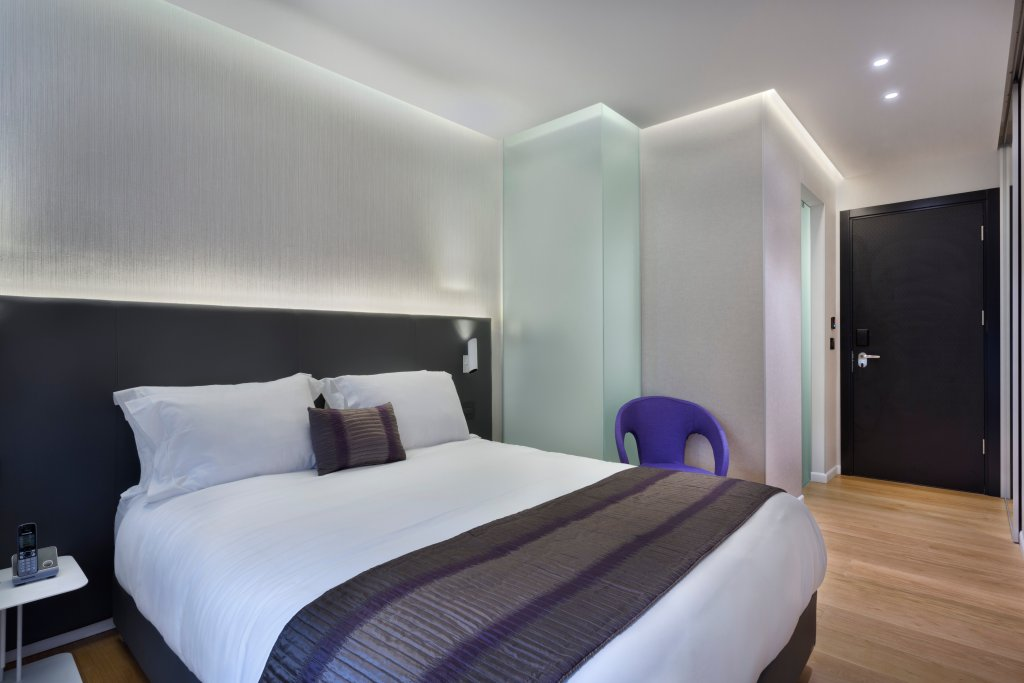 https://www.hotelsbyday.com/_data/default-hotel_image/2/10151/urban-room.jpg