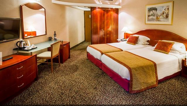 https://www.hotelsbyday.com/_data/default-hotel_image/2/10176/screen-shot-2019-01-11-at-11-37-33-am.png