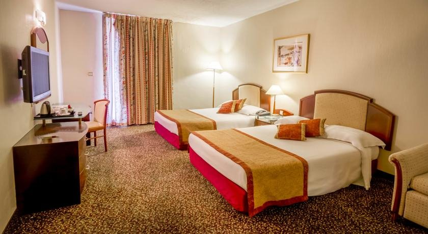 https://www.hotelsbyday.com/_data/default-hotel_image/2/10177/king-solomon-hotel.jpg