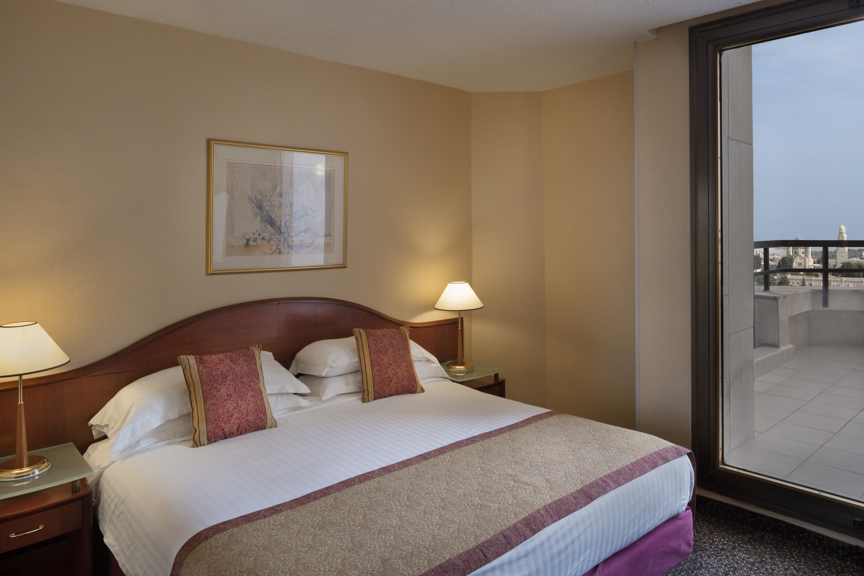 https://www.hotelsbyday.com/_data/default-hotel_image/2/10279/assaf-pinchuk-photographer-6920.jpg