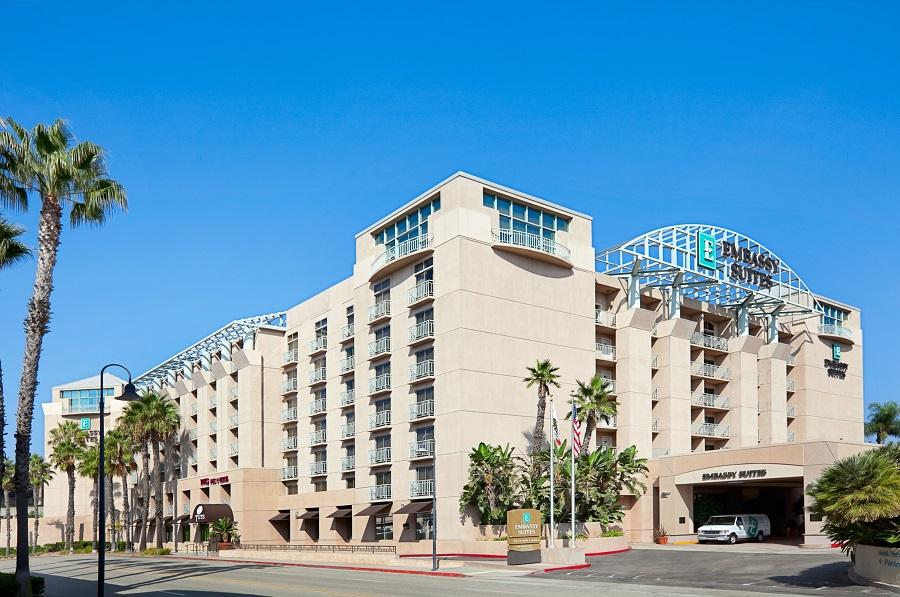 https://www.hotelsbyday.com/_data/default-hotel_image/2/10350/our-hotel01.jpg