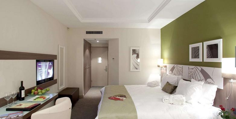 https://www.hotelsbyday.com/_data/default-hotel_image/2/10387/screen-shot-2019-02-05-at-12-20-38-pm.png