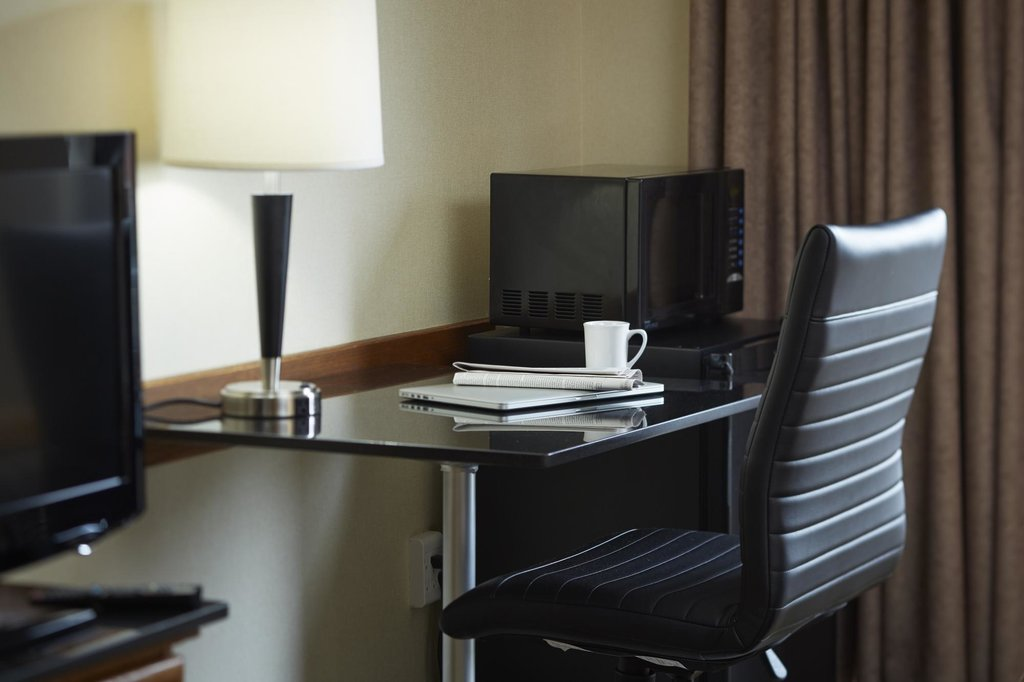 https://www.hotelsbyday.com/_data/default-hotel_image/2/10549/comfort-inn-14.jpg