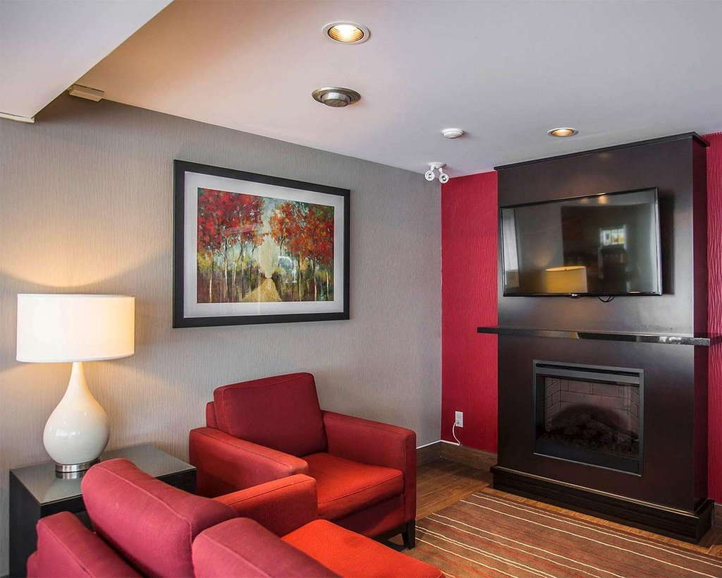 https://www.hotelsbyday.com/_data/default-hotel_image/2/10666/relax-by-the-fireplace.jpg
