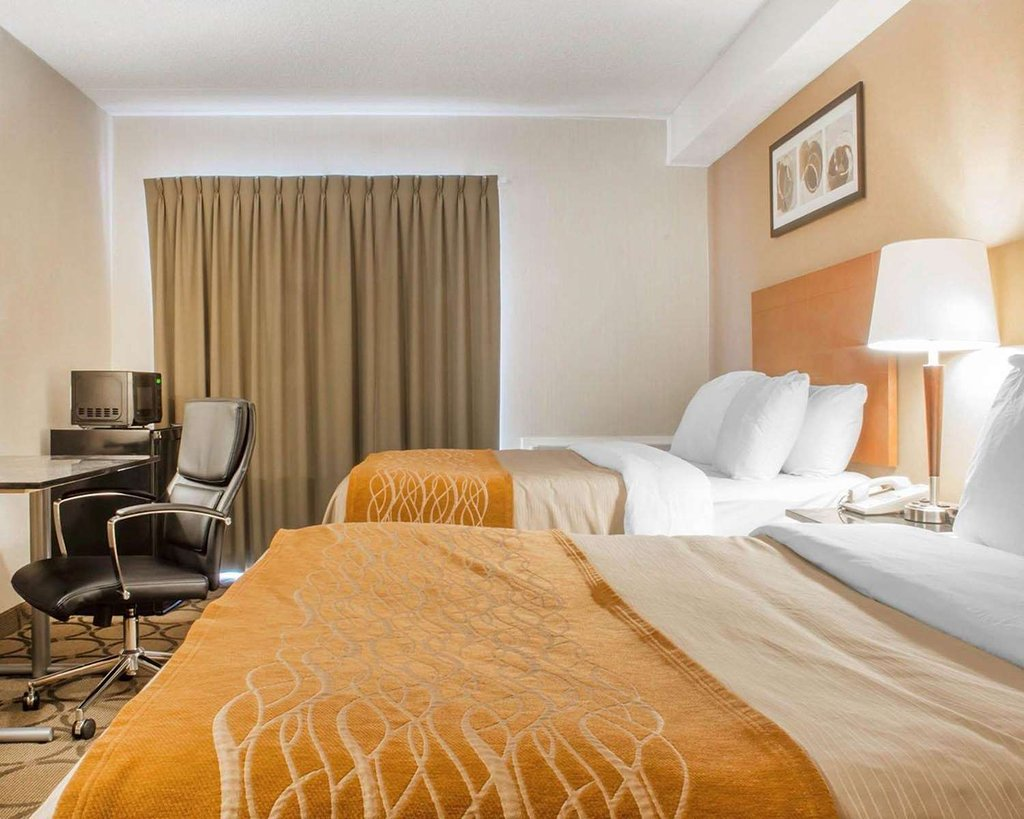https://www.hotelsbyday.com/_data/default-hotel_image/2/10672/guest-room-with-double-3.jpg