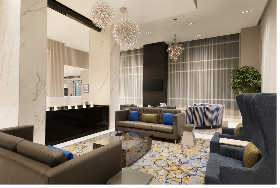 https://www.hotelsbyday.com/_data/default-hotel_image/2/10784/lobby-sitting-area.jpg