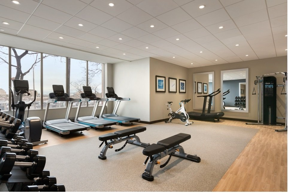 https://www.hotelsbyday.com/_data/default-hotel_image/2/10787/fitness-area-gym.jpg