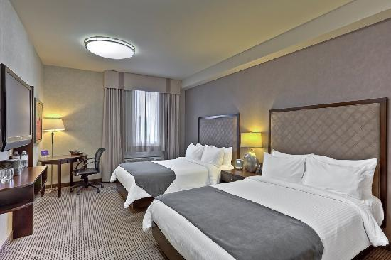 https://www.hotelsbyday.com/_data/default-hotel_image/2/10794/queen-room.jpg