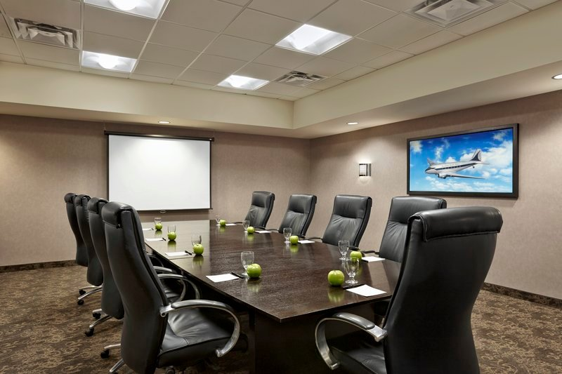 https://www.hotelsbyday.com/_data/default-hotel_image/2/10801/meeting-room-1.jpg