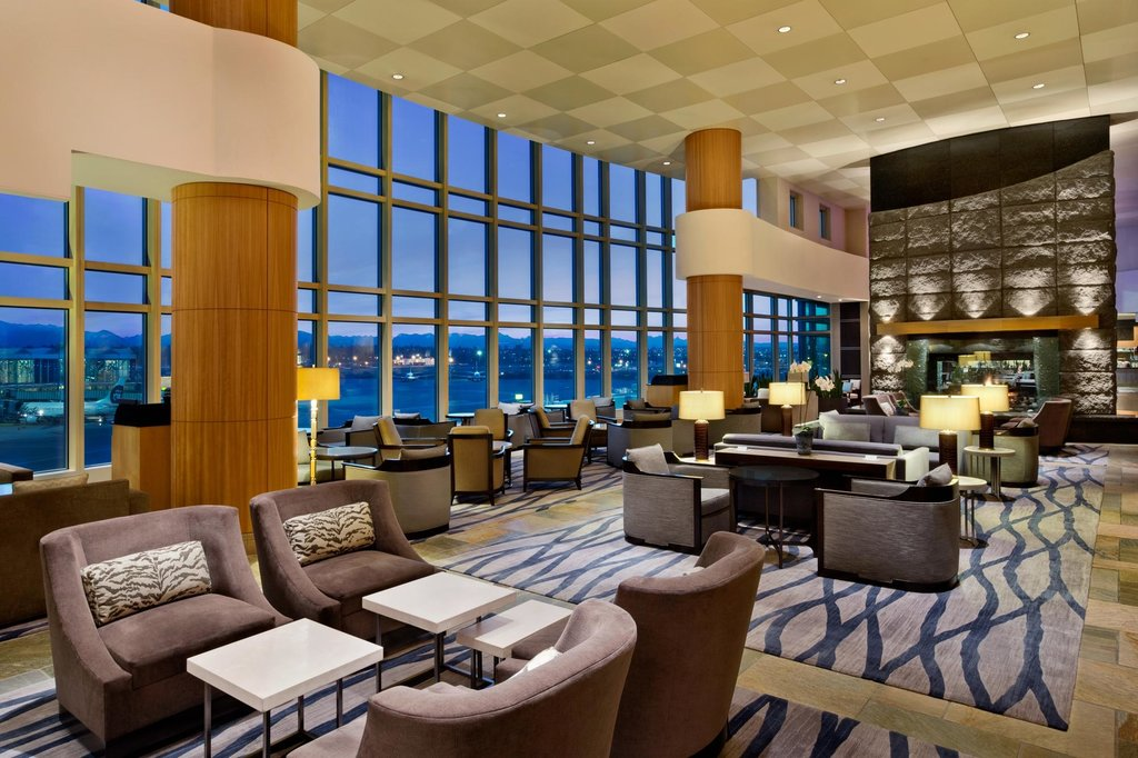 https://www.hotelsbyday.com/_data/default-hotel_image/2/10825/fairmont-vancouver-airport-2.jpg