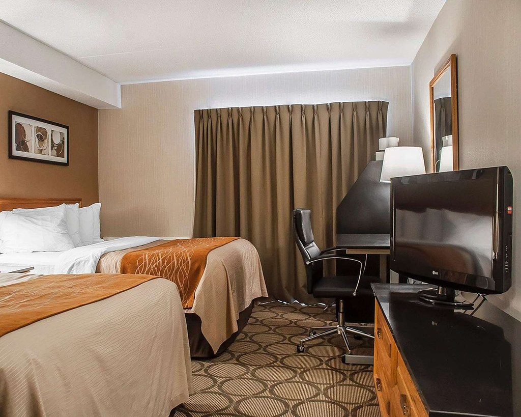 https://www.hotelsbyday.com/_data/default-hotel_image/2/10953/guest-room-with-flat.jpg