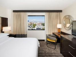Hotel Embassy Suites By Hilton Convention Center Las Vegas image
