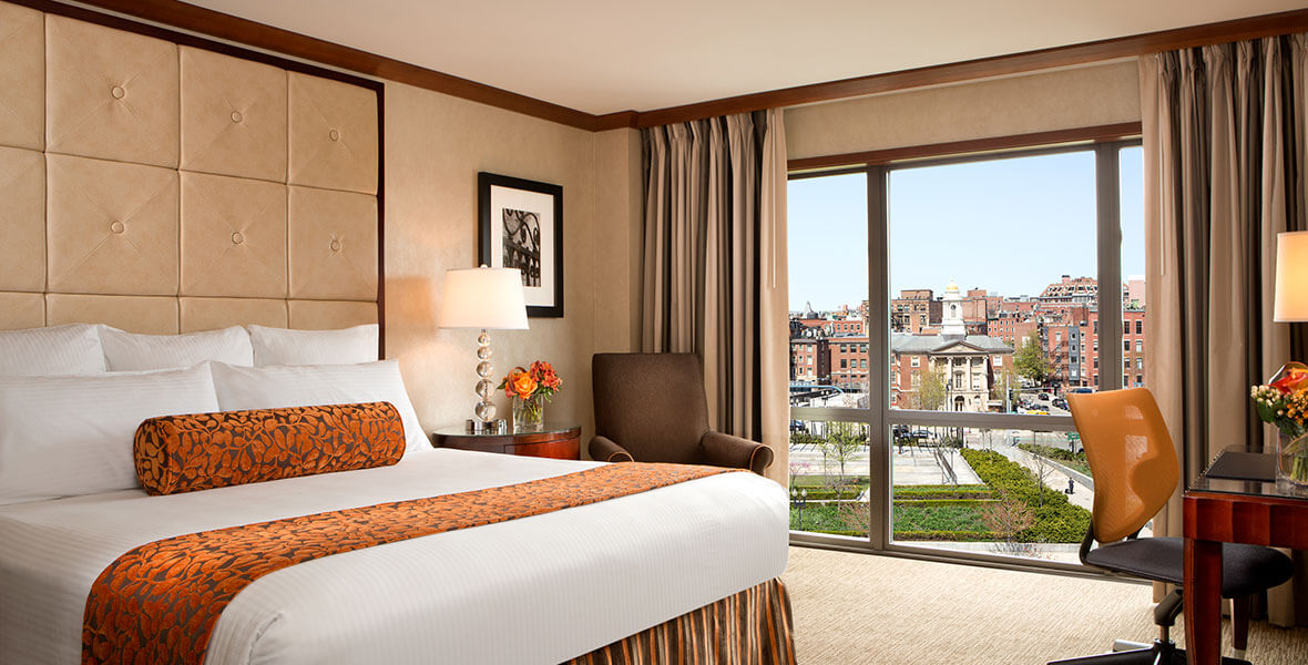 https://www.hotelsbyday.com/_data/default-hotel_image/2/11034/standard-king-room.jpg