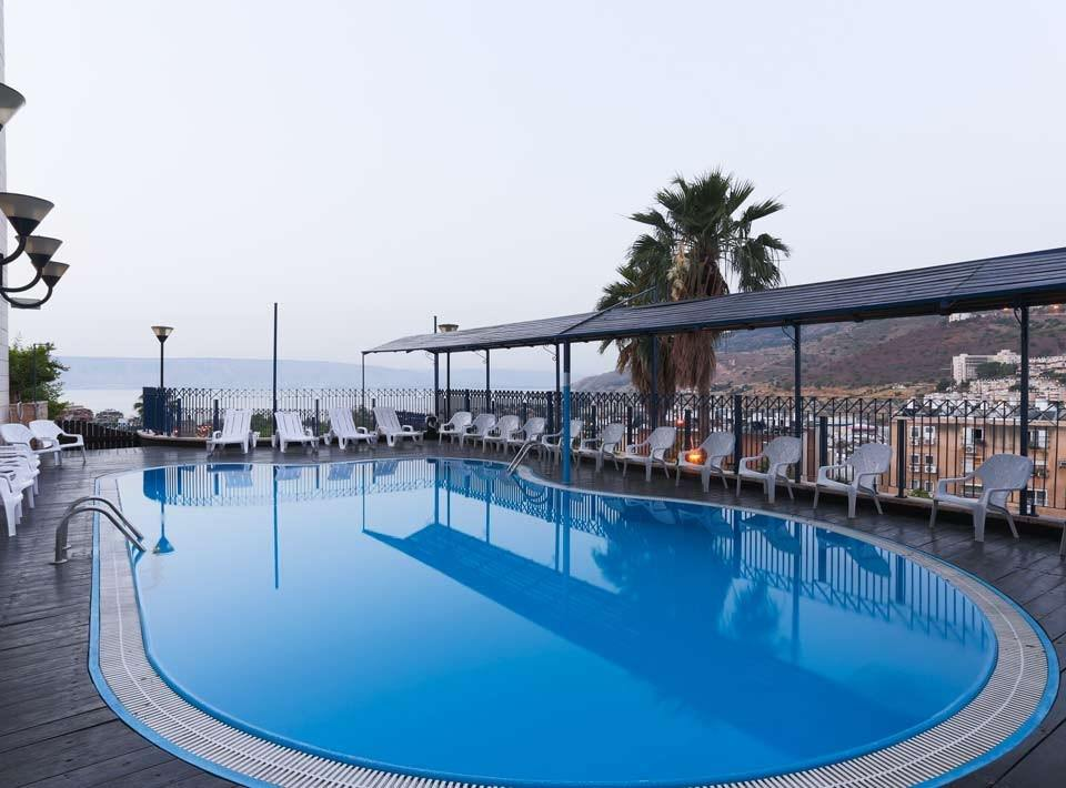 https://www.hotelsbyday.com/_data/default-hotel_image/2/11131/prima-galil-swimming-pool4.jpg