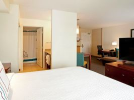 Hotel Residence Inn By Marriott Portland Airport At Cascade Station image
