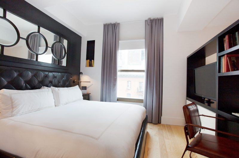 https://www.hotelsbyday.com/_data/default-hotel_image/2/11440/duane-street-hotel-nyc-tribeca-shopping-21.jpg